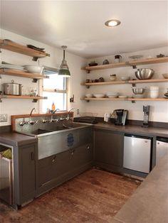 desire to inspire - industrial sink Kitchen Sink Units, New Kitchen, Restaurant Sink, Industrial Restaurant, Kitchen Interior, Kitchen Decor, Commercial Kitchen Design, Commercial Appliances, Commercial Sink