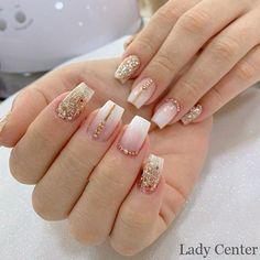 Unhas de ano novo fáceis, veja is part of Summer Wedding nails Coffin - Summer Wedding nails Coffin Aycrlic Nails, Glam Nails, Classy Nails, Fancy Nails, Bling Nails, Stylish Nails, Gold Acrylic Nails, Gold Glitter Nails, Rhinestone Nails