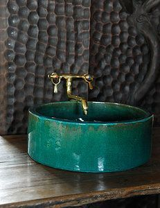 teal home accents Stiltje Steng - homeaccents Stone Floor, Deco Cool, Decor Scandinavian, Downstairs Toilet, Tadelakt, Home Decor Quotes, Ceramic Sink, Beautiful Bathrooms, Unique Bathroom Sinks
