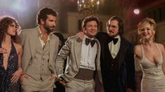 5-Minute 'American Hustle' Clip Highlights the Film's Super Sounds of the '70s