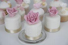 Rose Mini Cakes