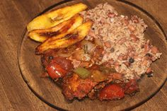 HOW - TO MAKE REAL JAMAICAN STEW CHICKEN , JAMAICAN RICE & PEAS WITH JAM...