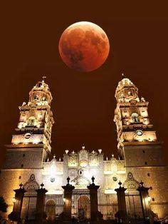 Catedral de Morelia, Michoacán, Luna de Octubre 2014