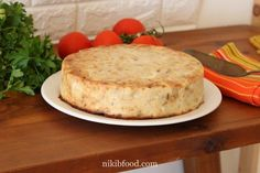 Crustless Onion Quiche - Great for lunch or dinner. Warm, golden, and moist, I've been making this quiche for years and I never tire of it! Grated Cheese, Side Salad, Baking Pans, Meals For One, Bon Appetit, Pastries, Quiche, Camembert Cheese, Onion