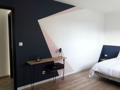 Dazzling Geometric Walls for the Modern Home - Zimmereinrichtung Geometric Wall Paint, Geometric Wallpaper Design, Geometric Prints, Living Room Decor, Bedroom Decor, Bedroom Wall Designs, Room Wall Painting, Paint Designs, New Room