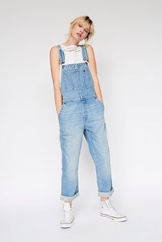 The Boyfriend Overall by We The Free at Free People Denim, Light Wash, 26 Cute Overalls, Overalls Outfit, Overalls Women, Denim Overalls, Denim Skirts, Long Overalls, Jumper Outfit, 90s Grunge, Cute Outfits For School
