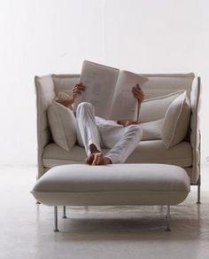 Pi a de jaime hay n pour magis le fauteuil pina propose for Canape alcove bouroullec