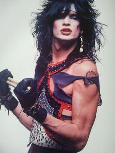 Tommy Lee. Love Motley Crue + Tommy is hot