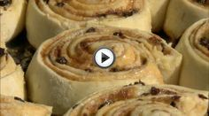 "Chelsea Buns : ""History is Served"" presented by Colonial Williamsburg Historic Foodways Old Recipes, Vintage Recipes, Gourmet Recipes, Cooking Recipes, Midevil Food, Chelsea Bun Recipe, Renaissance Food, Colonial Recipe, Colonial Williamsburg"