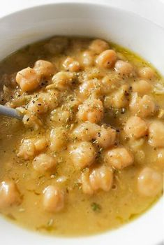 Greek Chickpea Soup With Lemon & Oregano (Revithosoupa) -Vegan, Gluten-free - Real Greek Recipes - Thickened Chickpea Soup Sprinkled With Pepper And Oregano - Vegan Soups, Vegetarian Recipes, Cooking Recipes, Healthy Recipes, Cheap Recipes, Salad Recipes, Greek Food Recipes, 21dayfix Recipes, Fall Soup Recipes