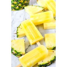 and delicious Pineapple Lemonade Ice Pops! Make them fresh and health. Refreshing and delicious Pineapple Lemonade Ice Pops! Make them fresh and health.Refreshing and delicious Pineapple Lemonade Ice Pops! Make them fresh and health. Frozen Desserts, Frozen Treats, Frozen Cookies, Frozen Cake, Party Desserts, Frozen Party, Dessert Recipes, Cake Recipes, Pineapple Lemonade