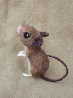 Needle felted field mouse poseable felted animal door Ainigmati