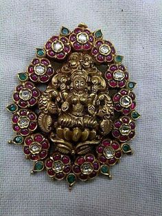 Temple jewellery pandent India Jewelry, Temple Jewellery, Indian Wedding Jewelry, Bridal Jewelry, Pendant Jewelry, Gold Jewelry, Terracota Jewellery, Jewellery Sketches, Trendy Jewelry