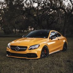 Mercedes Car Models, Mercedes Sports Car, Mercedes World, Mercedes Benz E63 Amg, Mercedes Benz Dealer, Mercedes Benz Wallpaper, Vw Gol, Mercedez Benz, Top Luxury Cars