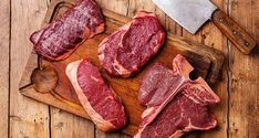 One of the most readily available cuts, lamb chops are lean, tender and delicious! With their perfect 3 - 4 oz serving size, lamb chops are simple to Best Grilled Steak, Best Cut Of Steak, Kinds Of Steak, Grilled Steak Recipes, Grilling Recipes, Grilling Tips, Different Steaks, Barbecue, Bbq Dry Rub