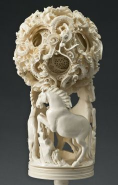 Chinese Puzzle Ball Ancient Egyptian Tombs, Photo Sculpture, Oriental Decor, Chinese Ceramics, Bone Carving, Ancient China, Ivoire, Bottle Design, Glass