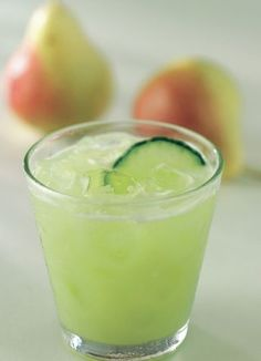 Væk kroppen med denne udrensende energigivende juice. Pære er et mildt afførende middel, der medvirker til at fjerne affaldsstoffer. Lidt frisk ingefær sætter gang i et dovent fordøjelsessystem. Agurk forfrisker og giver væske.