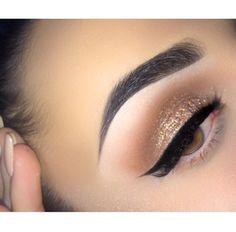 make up guide Gold glitter and black eye make-up make up glitter;make up brushes guide;make up samples; Eye Makeup, Kiss Makeup, Flawless Makeup, Gorgeous Makeup, Pretty Makeup, Beauty Makeup, Sleek Makeup, Awesome Makeup, Gold Makeup