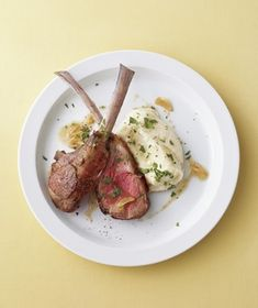 This meal looks and sounds fancy, but thanks to quick-cooking lamb chops it takes just 25 minutes to make. Get the recipe for Lamb Chops and Parsnip Puree With Coriander Brown Butter.