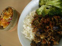 Cuketa na žampionech s rajčatovým pestem Pesto, Broccoli, Grains, Low Carb, Vegetables, Food, Essen, Vegetable Recipes, Meals