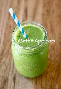 Brain booster development smoothie: Six simple ingredients, packed with nutrition goodness for Mama and Baby.