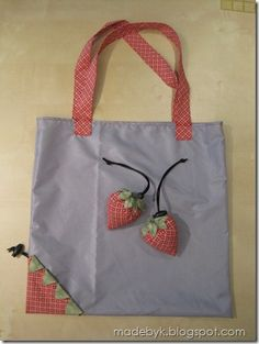 DIY Shopping Bags - Strawberry Reusable Shopping Bags - Easy Drawstring Bag Tutorials - How To Make A Shopping Bag - Use Fabric Scraps, Old Denim Jeans, Upcycled Items - Cute Monogrammed Ideas, Painted Bags and Sewing Tutorials for Beginners s Sewing Hacks, Sewing Tutorials, Sewing Tips, Bags Sewing, Sewing Clothes, Sewing Patterns Free, Free Sewing, Dress Patterns, Drawstring Bag Tutorials