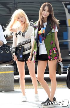Taeyeon and Yoona at airport