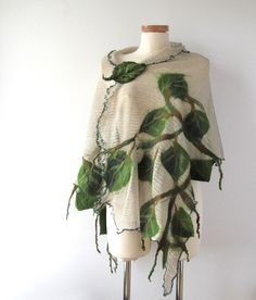 Linen shawl knit jersey with felt application green leaves