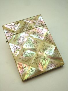 EXQUISITE ANTIQUE 19thC VICTORIAN ENGRAVED MOTHER OF PEARL CALLING CARD CASE