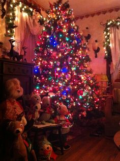 My Christmas Tree and My love for Annalee Dolls.