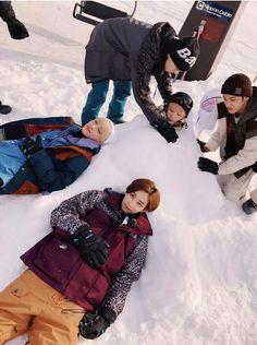 They're so cute❤ // Jeonghan,Joshua,Vernon,Woozi and Mingyu Seventeen One Fine Day, Seventeen Debut, Seventeen Memes, Carat Seventeen, Seventeen Scoups, Jeonghan Seventeen, Seungkwan, Wonwoo, K Pop