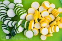 This recipe is delicious! The pickled zucchini stay crisp to the bite even after marinating. Pair them with potatoes and steak for an amazing dinner. Canning Beets, Canning Vegetables, Veggies, Pickled Zucchini, Zucchini Pickles, Shredded Zucchini Recipes, Recipe Zucchini, Zucchini Sticks, Summer Squash Recipes