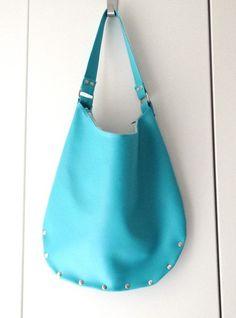 Schultertaschen - Schultertasche `Julie´ türkis Kundstleder - ein Designerstück von lucylique bei DaWanda