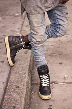 ripped-skinny-blue-jeans-rick-owens-sneakers