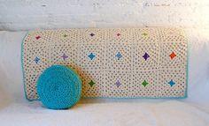 Simple granny squares - delicate use of color makes this so pretty #crochet #color #granny_square