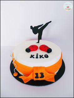Kickboxing cake - Bolo Kickboxing Bolo Ninja, Birthday Ideas, Birthday Cake, Sport Cakes, Cakes For Men, Sugar Craft, Cake Ideas, Cake Decorating, Sons