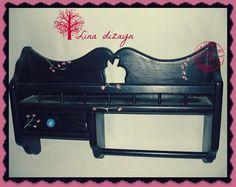 Especiero negro un cajón, pintado a mano, motivo flores silvestres. por Lina dizayn
