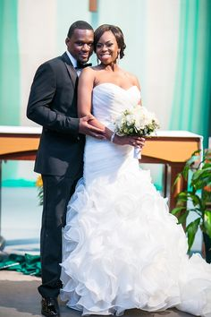 A Majestic Multicultural Purple and Blue Wedding in Texas - Munaluchi Bridal Magazine