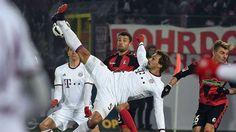Bundesliga: Die schönsten Fotos vom Bundesligaduell zwischen dem SC Freiburg und dem FC Bayern.