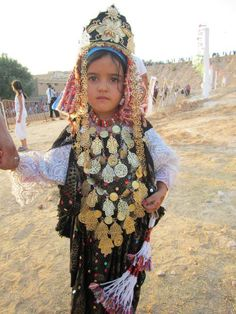 Little Amazigh girl from Tamazret in Tunisia