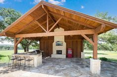 Horse+Property+in+Helotes,+Texas+near+San+Antonio.+Arena,+Two+homes,+barns,+Pool