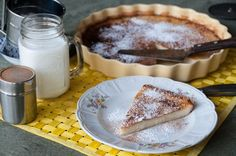 Milk pudding pie recipe by Greek chef Akis Petretzikis. A fluffy, juicy, aromatic milk pudding pie with semolina and a crunchy sugar coating everyone will love! Sweets Recipes, Pie Recipes, Desserts, Greek Sweets, Pudding Pies, Greek Recipes, Yummy Cakes, Breakfast Recipes, Sweet Tooth