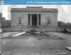Rodin Museum - Court Statuary -1929 Fairmount Philadelphia, Philadelphia History, Historic Philadelphia, Grey Wallpaper Iphone, Rodin Museum, Place Names, Spring Garden, Photo Archive, Historical Photos