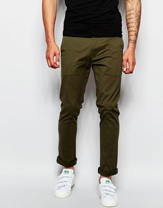 "Chinos by Replay Stretch cotton Concealed fly Side slant pockets Two back pockets Slim fit - cut closely to the body Machine wash 95% Cotton, 5% Elastane Our model wears a 32""/81cm regular and is 188cm/6'2"" tall"