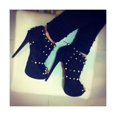 Tumblr ❤ liked on Polyvore featuring shoes, heels, boots, instagram and sapatos