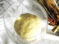 """Oggi inizio questa avventura.Vi unite a me?La ricetta e la modalità di preparazione sono prese da """"Pane e roba dolce """"delle Sorelle Similihttp://lemporio21.blogspot.it/2014/05/lo-chiamero-astolfoovvero-facciamo-il.html"""