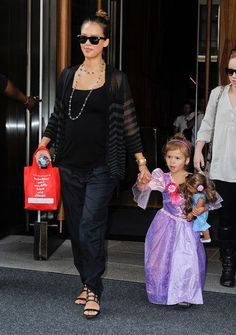 Jessica Alba's Maternity Style - Page 1 - - Practical Parenting Magazine