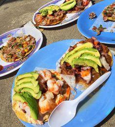 Tu viaje a #Ensenada #MiAlmaGemela no puede estar completo sin haber probado unas deliciosas tostadas de ceviche. #Tostadas #Ceviche #Camarones #Mariscos #EnsenadaVivela #Comida #Seafood #EnjoyEnsenada #DisfrutaBc #EnjoyBaja #DescubreBC #DiscoverBaja #Shrimps #ILoveBaja #BajaFood Conoce más visitando: www.descubreensenada.mx Aventura por twitchylizard