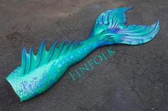 GORGEOUS aqua teal and blue mermaid tail. Prefer without the spine fin though