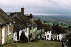 Gold hill, England. (by Dorsett Studios)